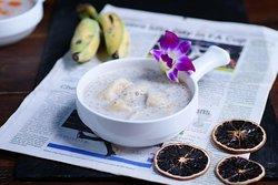 Banana With Sago and Coconut Milk