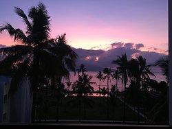 Sunrise dari balkon kamar