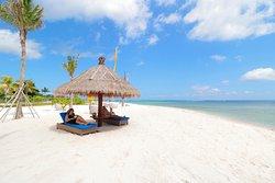 Hello beach days!  💙 💙