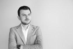 Paweł Zduniak - Sommelier SSP i zdobywca prestiżowego tytułu Prix au Sommelier, przyznawanego przez Międzynarodową Akademię Gastronomii.