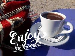 استمتع بقهوتك المظبوطة عندنا وبس 😋 مع الموسيقى اللي بتحبها و كمان عالبحر مفيش احلى من كدة 😍 #doaiah_beach_only_one😌🏄♂️