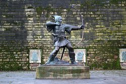 Robin Hood Statue - December 2019