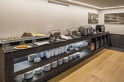 Servicio de desayuno en el Lounge Ejecutivo Brisas Business Club