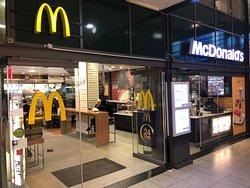 McDonald's & McCafe at Bahnhofsplatz