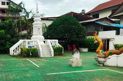 Wat Pan Ping - Colorful Naga