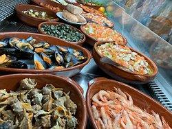 Comidas caseras, de todo tipo!! Aliños , montaditos , guisos tradicionales....