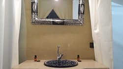 The bathroom of the Luxurious option tent