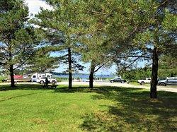 La halte-routière de Saint-Félix d'Otis, située aux abords du grand lac Otis
