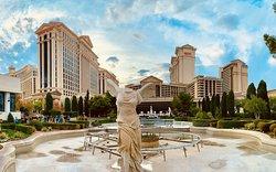 Geniales Hotel für riesige Konferenzen!!!