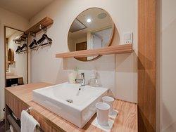 ノースリゾートフロア(2階~4階)ダブル 15.9~19.3㎡/バス・トイレ別/アトリウム側客室あり