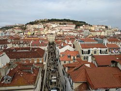 A splendid view to the S. Jorge Castle from the Santa Justa Tower.