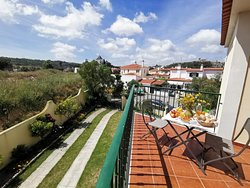 The jacuzzi suite occupies the whole first floor.  You can have  breakfast outside on the terrace viewing the castle of Obidos.
