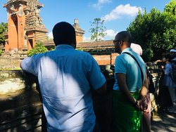 Explore the Taman Ayun Temple and explain about the temple