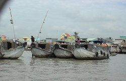 """""""Cai Rang Floating Market"""", Can Tho, Mekong delta, Viet Nam - they call this boats for """"pumpkin boats"""""""