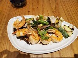 Yuu Asian Restaurant Menu Crispy Shrimp and Duck Dish