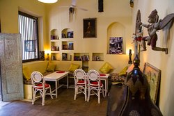 PUPPETS CAFE LOUNGE - BREAKFAST LUNCHIES AFTERNOON TEA COFFEE JUICES FRENCH PASTRIES