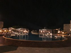 vista del restaurante de noche