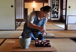 Tea lesson at Asamiya tea field visit tour
