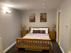 Cosy Guest House 500 metres from the airport.