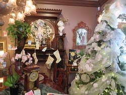 Solvang Antiques - Decorated for the Christmas Holiday Season 2019, Solvang, Ca