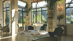 salle de restaurant Saint Ange, tout n'est que raffinement !