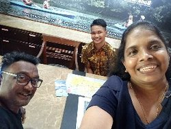 Had a good chat with young Haikal at the tour guide centre.  Gave us valuable information on interesting activities.