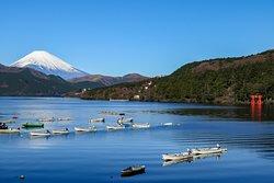 快晴の芦ノ湖