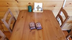 Dining for 4 - Angler Cabin #5