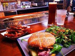"Le fameux BOB: Box Original Burger et ses frites ""MAISON"" miaaaaaaammmmmmmm"