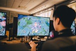 Không gian co-working, coffee house và Cyber Game