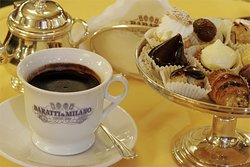 If you have a sweet tooth you are going to love Turin and our Sweet Treats&Chocolate Tour!