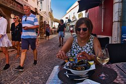 Street patio dining; mussels were yummy