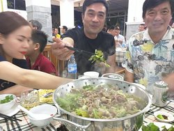 Hot pot or Lau, is the #1 dish in Vietnam.....and nowhere can you get it with seafood this fresh.........while watching Vietnam kick butt in football....on 5 screens......what a night....!
