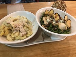 Chicken with tortellini and salad