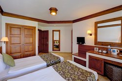 Superior Valley Room / Twin Beds