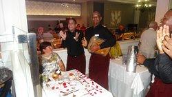 Празднование Дня рождения в ресторане Palmyra. Спасибо официанту Salvador и его друзьям за поздравление!