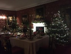 Stunning decorations in the dining room