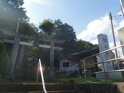 鶴見川に近い町田市三輪町にある神社