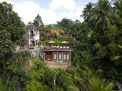 Honeymoon room in astana swaha villa