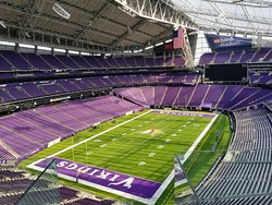 We're located just 2 blocks from US Bank Stadium. Join us for pre and post game drinks and eats!