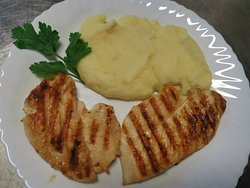 Pollo alla griglia con purè di patate