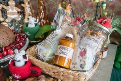Our individually made and hand decorated Christmas Gift Hampers are packed full of Christmas treats including our gourmet Christmas pudding which has been marinated for over 9 months, and a selection of our immensely popular Christmas products. Pre-order now to avoid disappointment. They sell out every year.