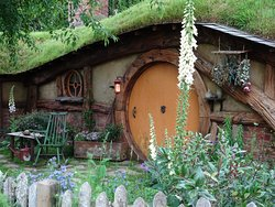 Hobbiton Hut in Middle Earth