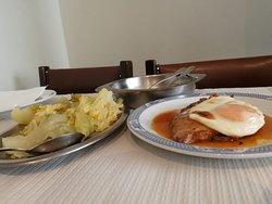 Bitoque de Atum; Tuna Steak; Filete de Atún; Steak de Thon. 8,5€