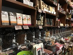 Select from our range of bulk chocolates including chocolate covered coffee beans, sultanas, peanuts, macadamias, almonds, strawberries, super berries, licorice, blueberries, bananas and raw chocolate chunks too.