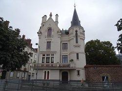 Bel hôtel particulier Place Hoche
