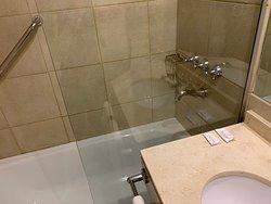 Banheiro. Chuveiro quentinho