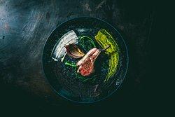 子羊のロースト スモークオリーブとグリーンペッパーのソース