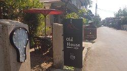 Hello Dawei Travel & Tours location, Anauk street