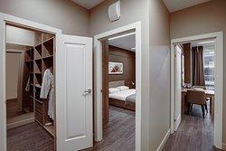 В комплексе 6 категорий апартаментов: от студий с эркерами до номеров с двумя спальнями.